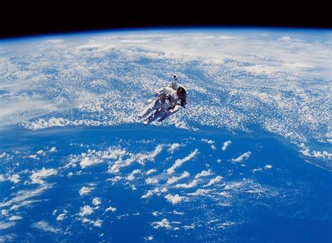 astronaut-893388_1280.jpg